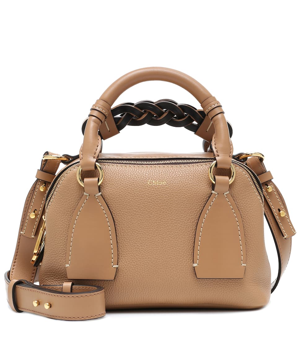 Chloé Daria Small Leather Shoulder Bag In Brown
